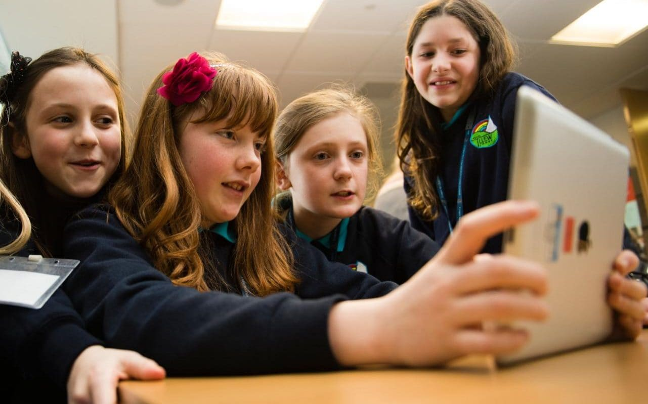 ipads in schools Fraser speirs is talking about changes caused by his school's radical shift in technology deployment every pupil at cedars school of excellence, in greenock, scotland, is now armed with an ipad.